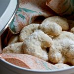 Mae's Crescent Cookies